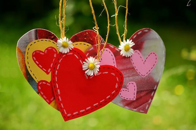 Love heart clutter