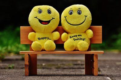 Sweet love emoji messages on yellow teddies